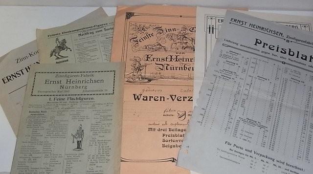Catálogos, suplementos y hojas de precio de la fábrica de soldados y figuras de estaño de Ernst Heinrichsen en Nürnberg (Núremberg)