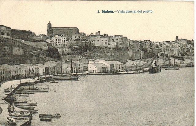 2. Mahón.- Vista general del puerto