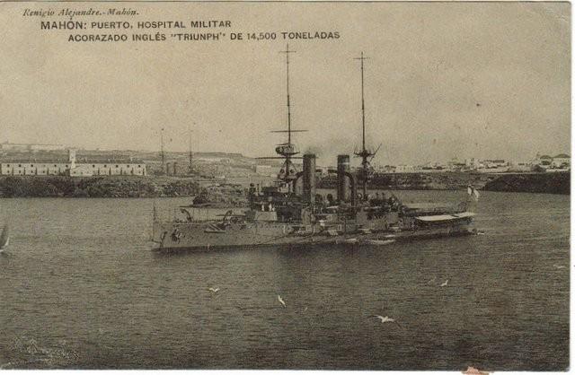 Mahón: Puerto, hospital militar. Acorazado inglés 'Triunph' de 14,500 toneladas